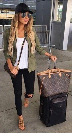 What to wear on business class flight?