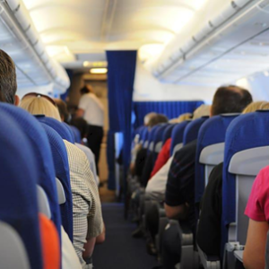 What type of flight class to choose when traveling with the whole familу?