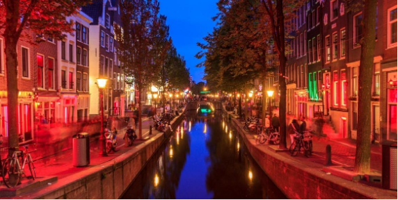 10 Tips for Your First Trip to Amsterdam